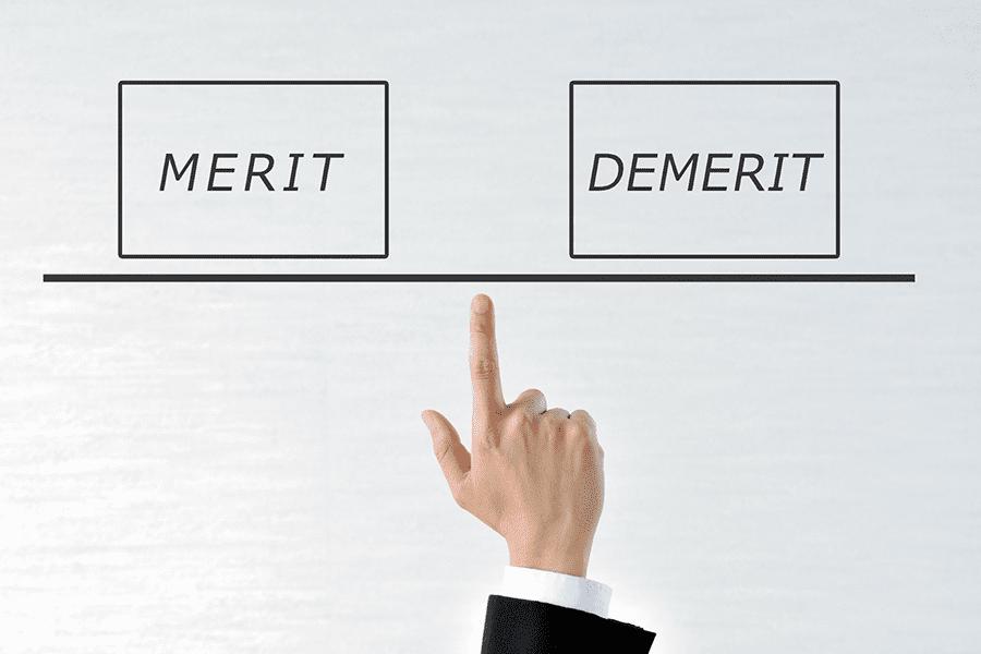 遺品整理業者に依頼するメリットとデメリットとは?